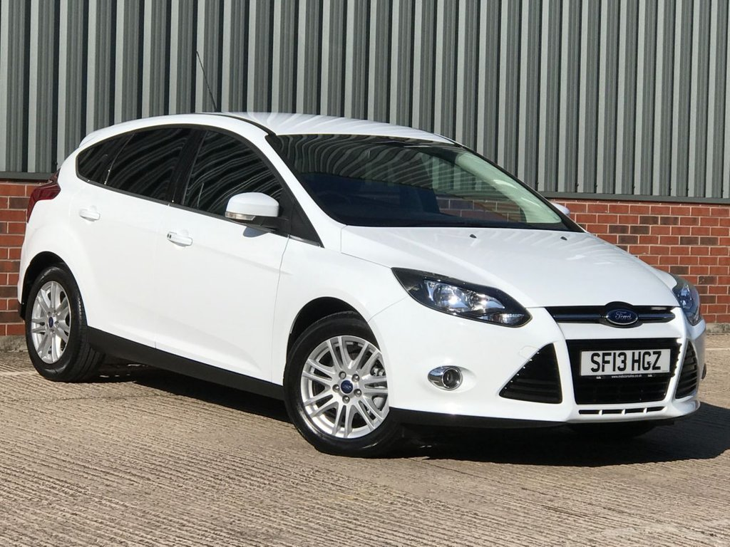 USED 2013 13 FORD FOCUS 1.6 TITANIUM 5d 124 BHP EXCELLENT LOW MILEAGE EXAMPLE