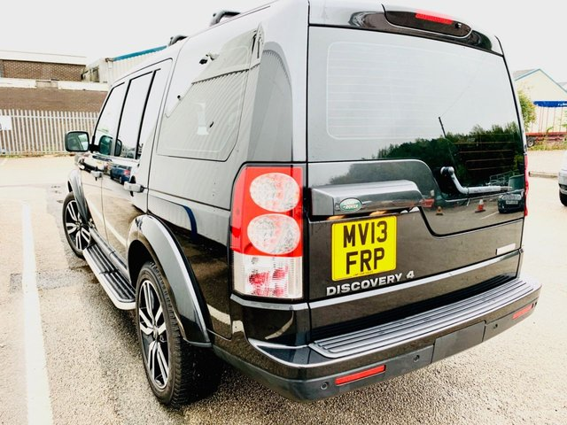"""USED 2013 13 LAND ROVER DISCOVERY 3.0 SDV6 HSE LUXURY 5d 255 BHP FULL SERVICE HISTORY - 12 MONTH MOT - REAR DVD HEADREST SCREENS - HEATED SEATS FRONT & REAR - TRIPLE SUNROOF - HEATED STEERING WHEEL - TIMED PARK HEATER - 20"""" ALLOY WHEELS - REAR VIEW CAMERA"""