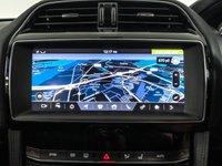 USED 2019 19 JAGUAR F-PACE 2.0 PORTFOLIO AWD 5d AUTO 177 BHP SATNAV - FULL LEATHER - REAR SENSOR