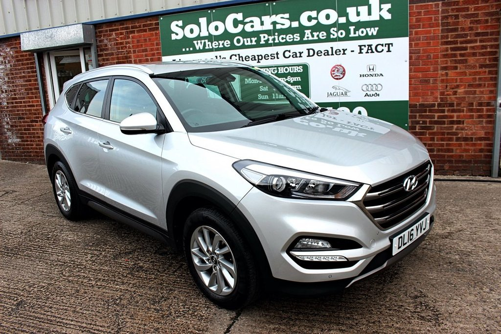 USED 2016 16 HYUNDAI TUCSON 1.7 CRDI PREMIUM BLUE DRIVE 5d 114 BHP +ONE OWNER +LEATHER +SAT NAV.