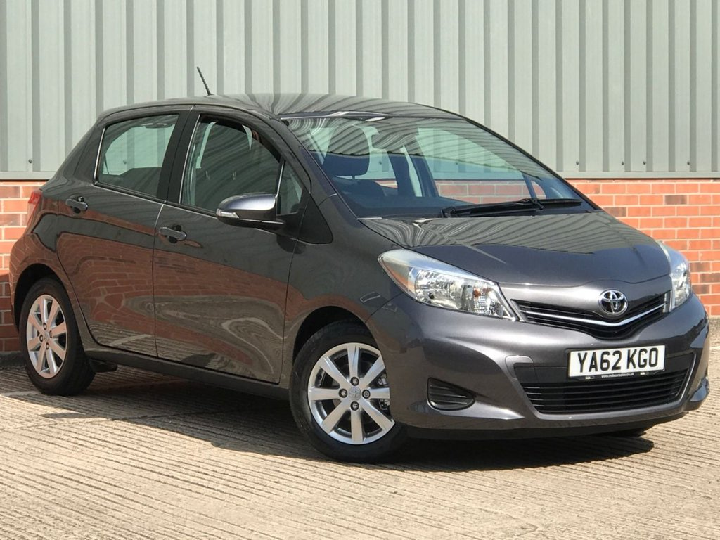 USED 2013 62 TOYOTA YARIS 1.0 VVT-I TR 5d 68 BHP EXCELLENT ONE OWNER FROM NEW EXAMPLE