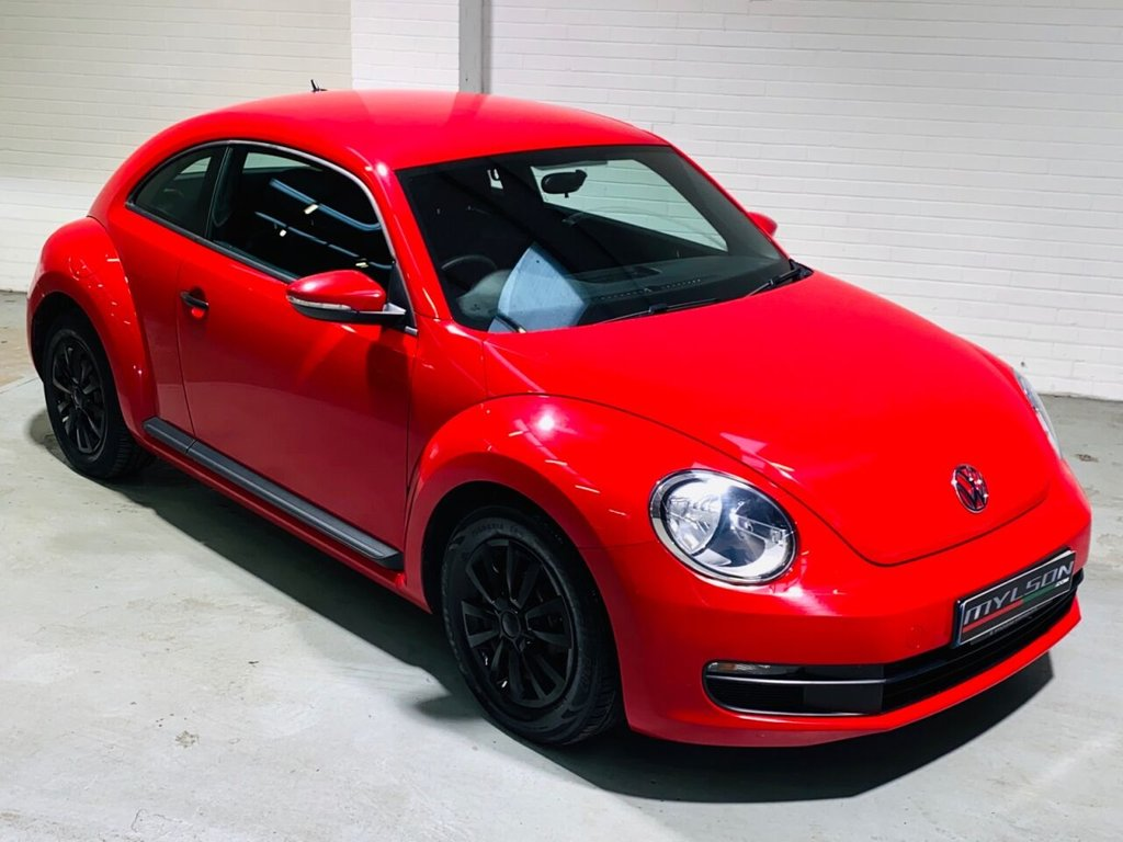 USED 2014 03 VOLKSWAGEN BEETLE 1.6 TDI BLUEMOTION TECHNOLOGY 3d 104 BHP Red with Black Interior, 1 Owner, £30 Road Tax
