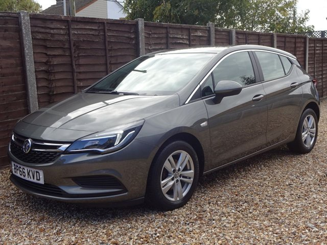 USED 2017 66 VAUXHALL ASTRA 1.6 CDTi TECH LINE 5DOOR GREAT SERVICE HISTORY, GREAT SPEC, 12 MONTHS MOT