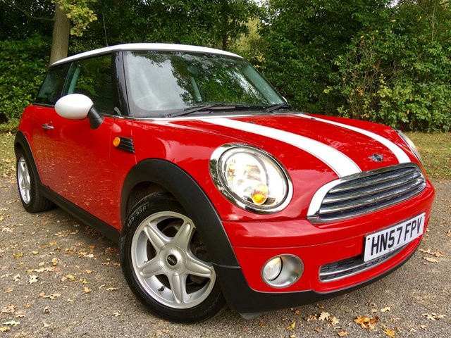 2007 57 MINI HATCH COOPER 1.6 COOPER 3d AUTO 118 BHP 1 PRIVATE OWNER WITH ONLY 40,000 MILES AND FULL SERVICE HISTORY