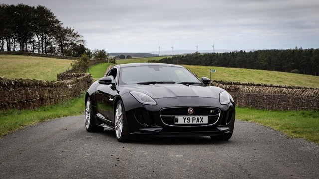USED 2014 Y JAGUAR F-TYPE 5.0 R 2d 550 BHP LOW DEPOSIT OR NO DEPOSIT FINANCE AVAILABLE . COMES USABILITY INSPECTED WITH 30 DAYS USABILITY WARRANTY + LOW COST 12 MONTHS ESSENTIALS WARRANTY AVAILABLE FOR ONLY £299 .  WE'RE ALWAYS DRIVING DOWN PRICES .