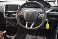 USED 2016 16 PEUGEOT 208 1.2 PURETECH XS LIME 5d 85 BHP (£20 ROAD TAX - SPECIAL EDITION)