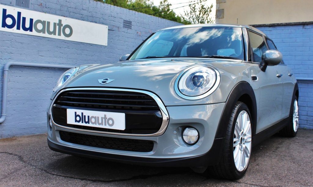 USED 2017 17 MINI HATCH COOPER 1.5 COOPER 5d 134 BHP Mini Service History, £2995 of Extras, Low Running Costs