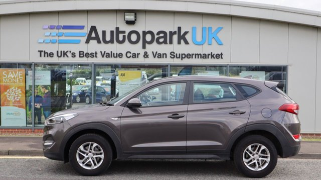 USED 2017 67 HYUNDAI TUCSON 1.7 CRDI S BLUE DRIVE 5d 114 BHP LOW DEPOSIT OR NO DEPOSIT FINANCE AVAILABLE . COMES USABILITY INSPECTED WITH 30 DAY USABILITY WARRANTY + LOW COST 12 MONTHS ESSENTIALS WARRANTY AVAILABLE FOR ONLY DAYS £199 . ALWAYS DRIVING DOWN PRICES . BUY WITH CONFIDENCE . OVER 1000 GENUINE GREAT REVIEWS OVER ALL PLATFORMS FROM HONEST CUSTOMERS YOU CAN TRUST .