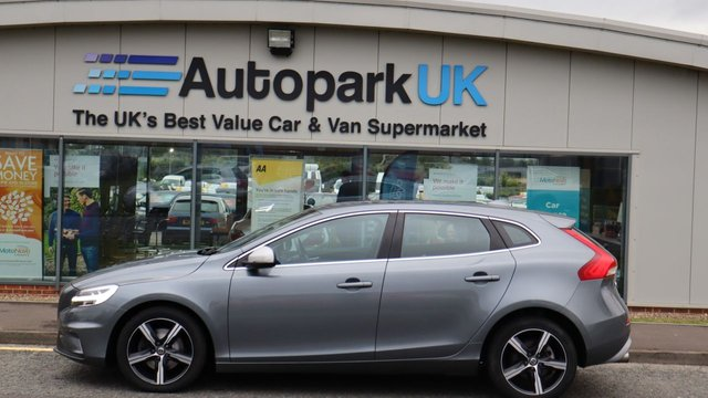 USED 2017 17 VOLVO V40 2.0 T2 R-DESIGN NAV PLUS 5d 120 BHP LOW DEPOSIT OR NO DEPOSIT FINANCE AVAILABLE . COMES USABILITY INSPECTED WITH 30 USABILITY WARRANTY + LOW COST 12 MONTHS ESSENTIALS WARRANTY AVAILABLE FOR ONLY DAYS £199 . ALWAYS DRIVING DOWN PRICES . BUY WITH CONFIDENCE . OVER 1000 GENUINE GREAT REVIEWS OVER ALL PLATFORMS FROM HONEST CUSTOMERS YOU CAN TRUST .