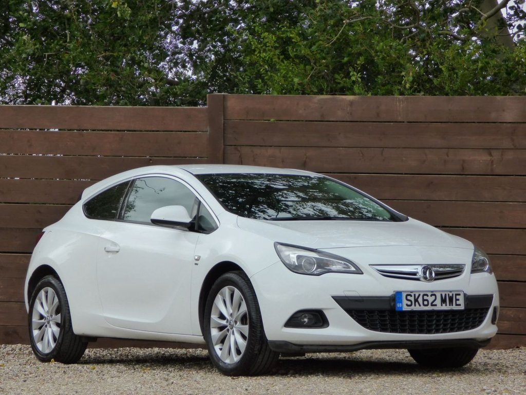 USED 2012 62 VAUXHALL ASTRA 1.4 GTC SRI S/S 3d 138 BHP *** 7 SERVICE STAMPS, REAR PARKING SENSORS  ***