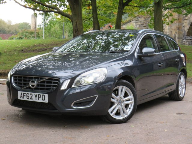 USED 2012 62 VOLVO V60 2.4 D5 SE LUX NAV 5d 212 BHP
