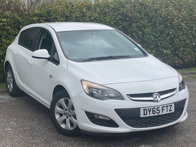 USED 2015 65 VAUXHALL ASTRA 1.4 DESIGN 5d 100 BHP BLUETOOTH CONNECTIVITY