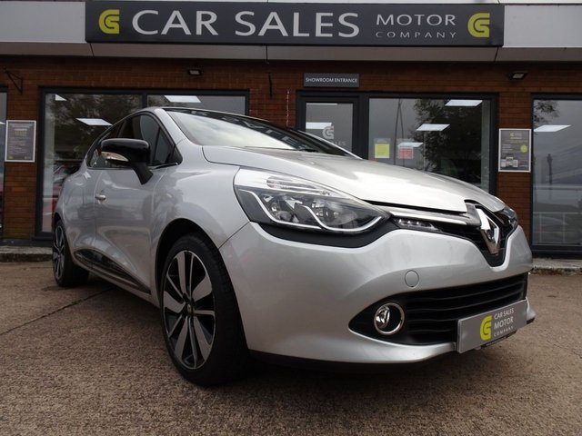 USED 2015 15 RENAULT CLIO 0.9 DYNAMIQUE S MEDIANAV ENERGY TCE S/S 5d 90 BHP FORMER LADY KEEPER, £20 ROAD TAX FOR THE YEAR, FULL SERVICE HISTORY, SAT NAV, BLUETOOTH, CRUISE CONTROL, REAR PARKING SENSORS, ALLOY WHEELS, HPI CLEAR, 5 STAR RATED DEALERSHIP - BUY WITH CONFIDENCE