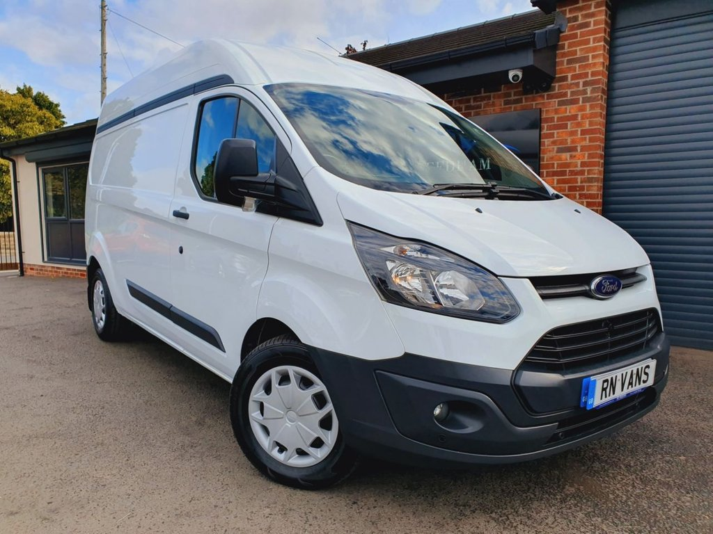 USED 2015 65 FORD TRANSIT CUSTOM 2.2 330 L2 H2 P/V 124 BHP *** GREAT SPEC - EDSTROM RACKING ***