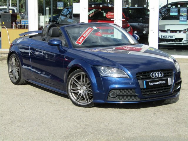 """USED 2014 14 AUDI TT 2.0 TFSI BLACK EDITION 2d 208 BHP Finished in SCUBA BLUE with Contrasting EBONY LEATHER / ALCANTARA trim. This AUDI TT is a style icon that stands out in the crowd. The SCUBA BLUE makes it look a lot sportier that the greys, silvers and black TT's around. Features include, 19"""" Alloys, BOSE Speakers, Leather/alcantara, Rear Park Sensors, Flat Bottom Steering Wheel and much more. Dealer serviced at 7466 miles, 15717 miles and at 27984 miles"""