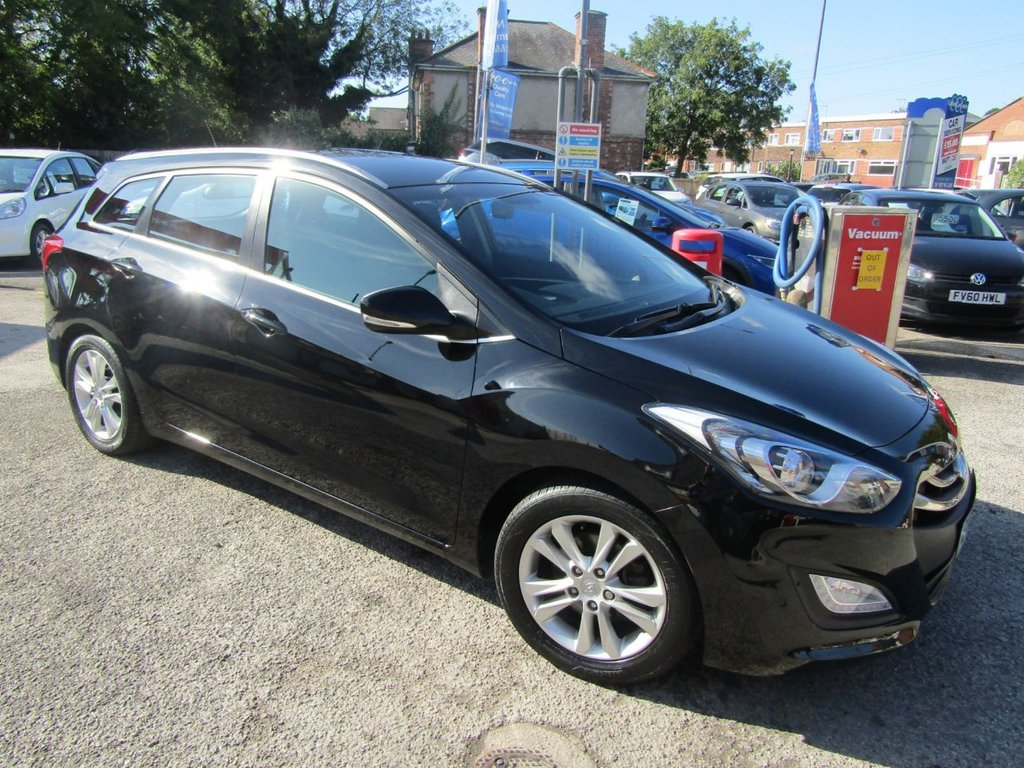 USED 2013 13 HYUNDAI I30 1.6 CRDI STYLE BLUE DRIVE 5d 126 BHP Booth** Alloys Front fogs** front & rear park sensors** Great condition ** New MOT ** Service history ** 12 Mths AA Breakdown  ** Service Plan only £15:00 per month ** Check our Feedback **