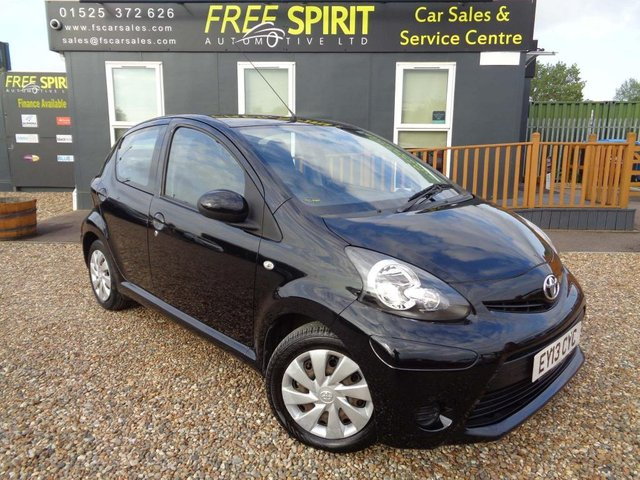 USED 2013 13 TOYOTA AYGO 1.0 VVT-i Ice 5dr Full Service History-Bluetooth