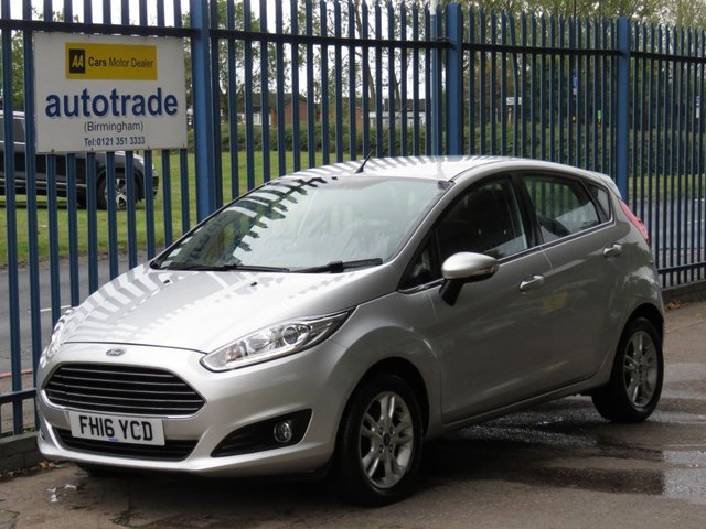 USED 2016 16 FORD FIESTA 1.2 ZETEC 5d 81 BHP AIR CON, BLUETOOTH, HISTORY LED DAYTIME RUNNING LIGHTS, AIR CONDITIONING, ALLOY WHEELS, BLUETOOTH WITH USB AND VOICE CONTROL, HEATED WINDSCREEN.