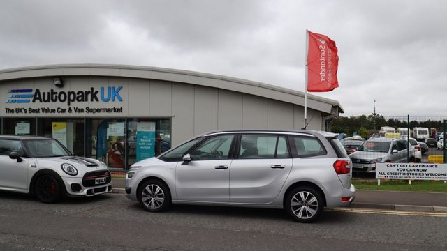 USED 2015 15 CITROEN C4 GRAND PICASSO 2.0 BLUEHDI EXCLUSIVE EAT6 5d 148 BHP . LOW DEPOSIT OR NO DEPOSIT FINANCE AVAILABLE . COMES USABILITY INSPECTED WITH 30 DAYS USABILITY WARRANTY + LOW COST 12 MONTHS ESSENTIALS WARRANTY AVAILABLE FOR ONLY £199 . ALWAYS DRIVING DOWN PRICES . BUY WITH CONFIDENCE . OVER 1000 GENUINE GREAT REVIEWS OVER ALL PLATFORMS FROM GOOD HONEST CUSTOMERS YOU CAN TRUST .