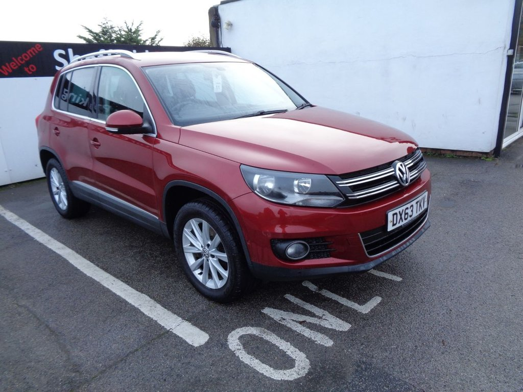 """USED 2013 63 VOLKSWAGEN TIGUAN 2.0 SE TDI BLUEMOTION TECHNOLOGY 4MOTION DSG 5d 138 BHP AWD 4X4 4WD  Cambelt / water pump done 2019 Parking sensors climate control 17"""" alloys full service history low mileage"""