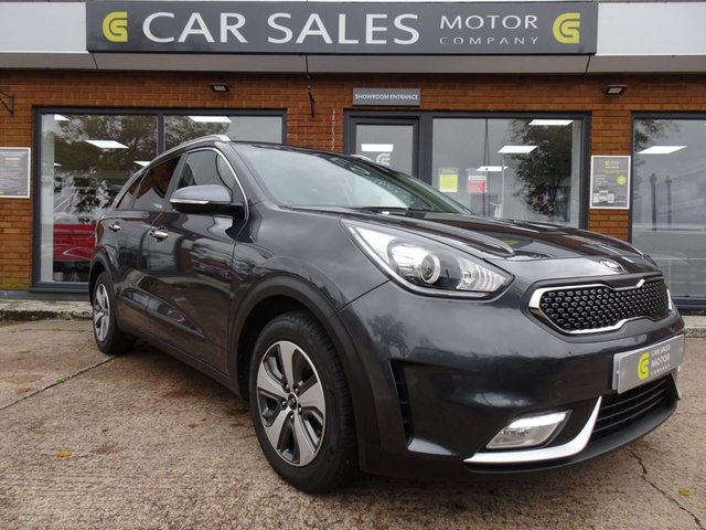 USED 2017 67 KIA NIRO 1.6h GDi 2 DCT (s/s) 5dr ONE OWNER, SAT NAV, BLUETOOTH, REVERSE CAMERA, APPLE CAR PLAY, DUAL CLIMATE CONTROL, AUTO HYBRID, FULL KIA SERVICE HISTORY, 4 YEARS OF KIA MANUFACTURERS WARRANTY REMAINING, MOT TILL SEPTEMBER 2021 WITH NO ADVISORIES, HPI CLEAR, 2 REMOTE KEYS