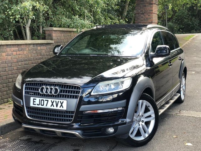 View our AUDI Q7