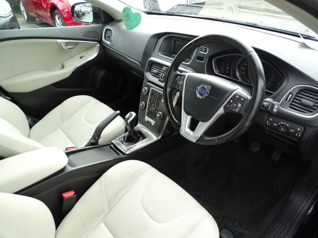 USED 2014 64 VOLVO V40 1.6 D2 SE 5d 113 BHP GOOD SPEC MUST SEE