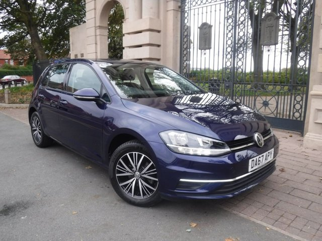 USED 2017 67 VOLKSWAGEN GOLF 1.0 SE TSI BLUEMOTION TECHNOLOGY 5d 109 BHP *1 OWNER FROM NEW*FULL VOLKSWAGEN SERVICE HISTORY*CRUISE ADAPTIVE CONTROL*APPLE PLAY*