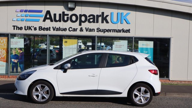 USED 2013 13 RENAULT CLIO 1.1 EXPRESSION PLUS 16V 5d 75 BHP . LOW DEPOSIT OR NO DEPOSIT FINANCE AVAILABLE . COMES USABILITY INSPECTED WITH 30 DAYS USABILITY WARRANTY + LOW COST 12 MONTHS ESSENTIALS WARRANTY AVAILABLE FOR ONLY £199 . ALWAYS DRIVING DOWN PRICES . BUY WITH CONFIDENCE . OVER 1000 GENUINE GREAT REVIEWS OVER ALL PLATFORMS FROM GOOD HONEST CUSTOMERS YOU CAN TRUST .