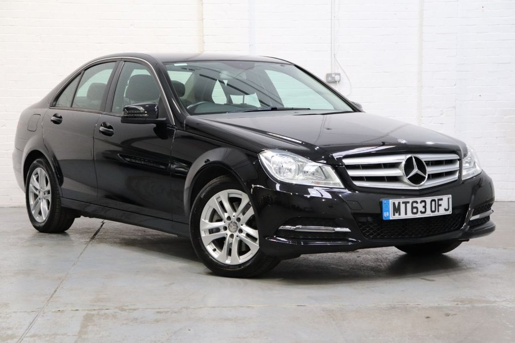 USED 2013 63 MERCEDES-BENZ C-CLASS 2.1 C220 CDI BLUEEFFICIENCY EXECUTIVE SE 4d 168 BHP Leather + Cruise + Parking Aid