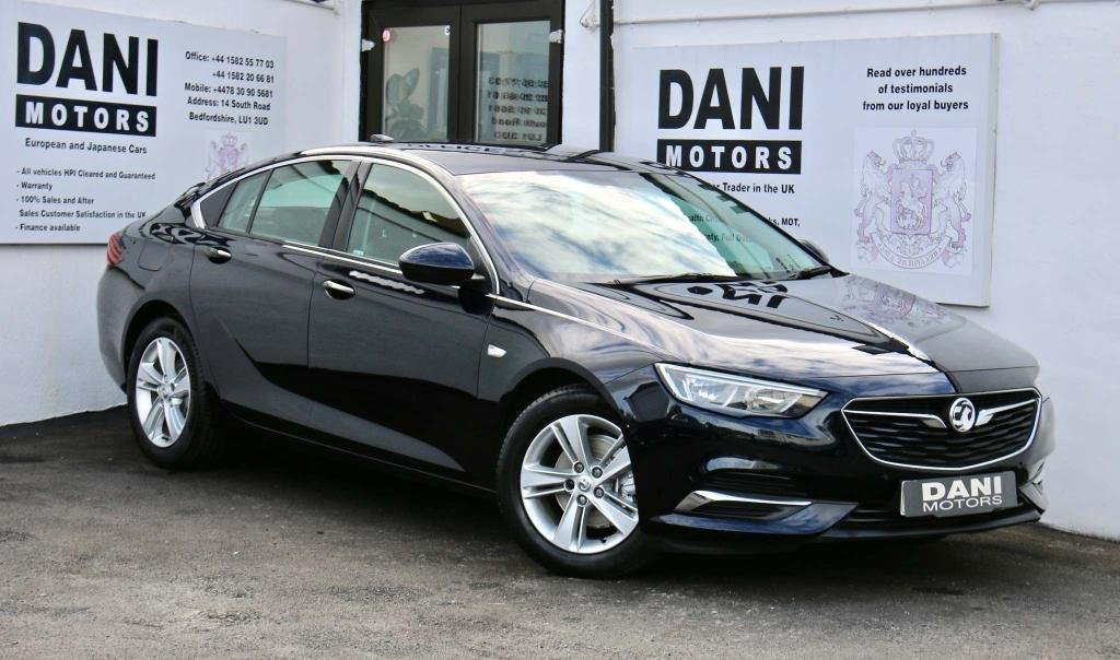 USED 2018 18 VAUXHALL INSIGNIA 1.5i Turbo Tech Line Nav Grand Sport (s/s) 5dr 1 OWNER*SATNAV*PARKING AID