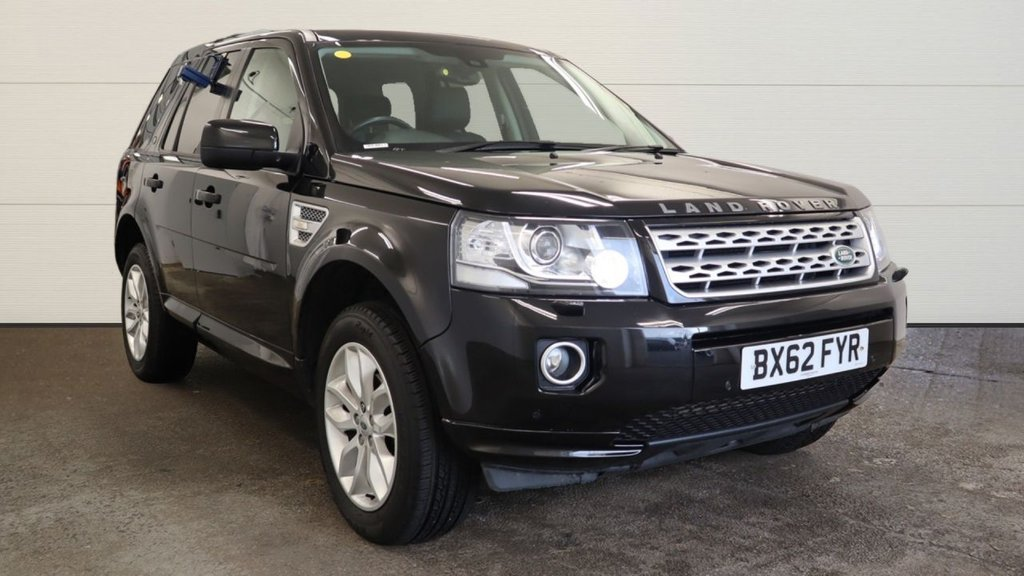 "USED 2012 62 LAND ROVER FREELANDER 2.2 TD4 HSE 5d 150 BHP 4x4 awd 4wd Satalite Navigation  panoramic roof  leather trim  parking sensors  privacy glass  19"" alloys"