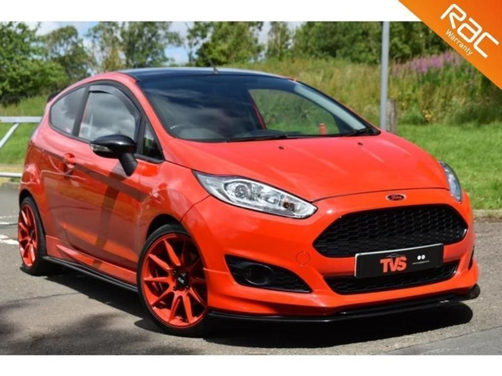 USED 2015 L FORD FIESTA Zetec S Red Edition HUGE SPEC! FULL HISTORY!