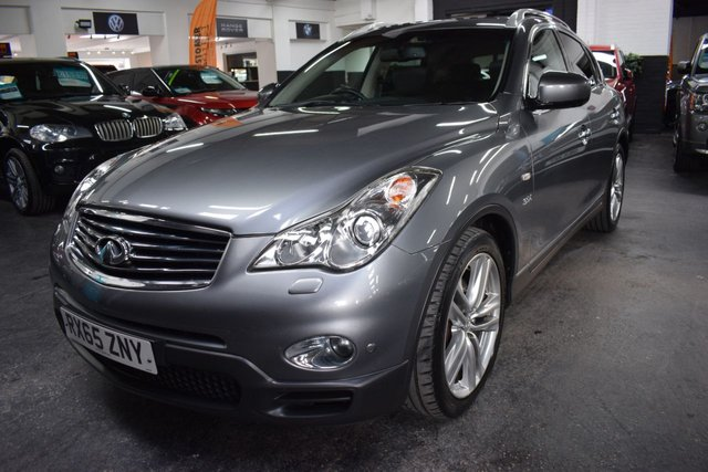 USED 2015 65 INFINITI QX50 3.0 GT PREMIUM D 5d 235 BHP STUNNING CONDITION - 4X4 - GT PREMIUM - S/H TO 39K - LEATHER - NAV - HEATED SEATS - PRIVACY GLASS - TOWBAR - 360 CAMERAS