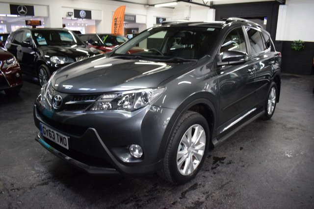 USED 2013 63 TOYOTA RAV4 2.2 D-4D INVINCIBLE 5d 150 BHP AUTO  LOVELY CONDITION - LOW MILES - TOYOTA S/H - ONE PREVIOUS KEEPER - TOP INVINICIBLE SPEC - AUTO