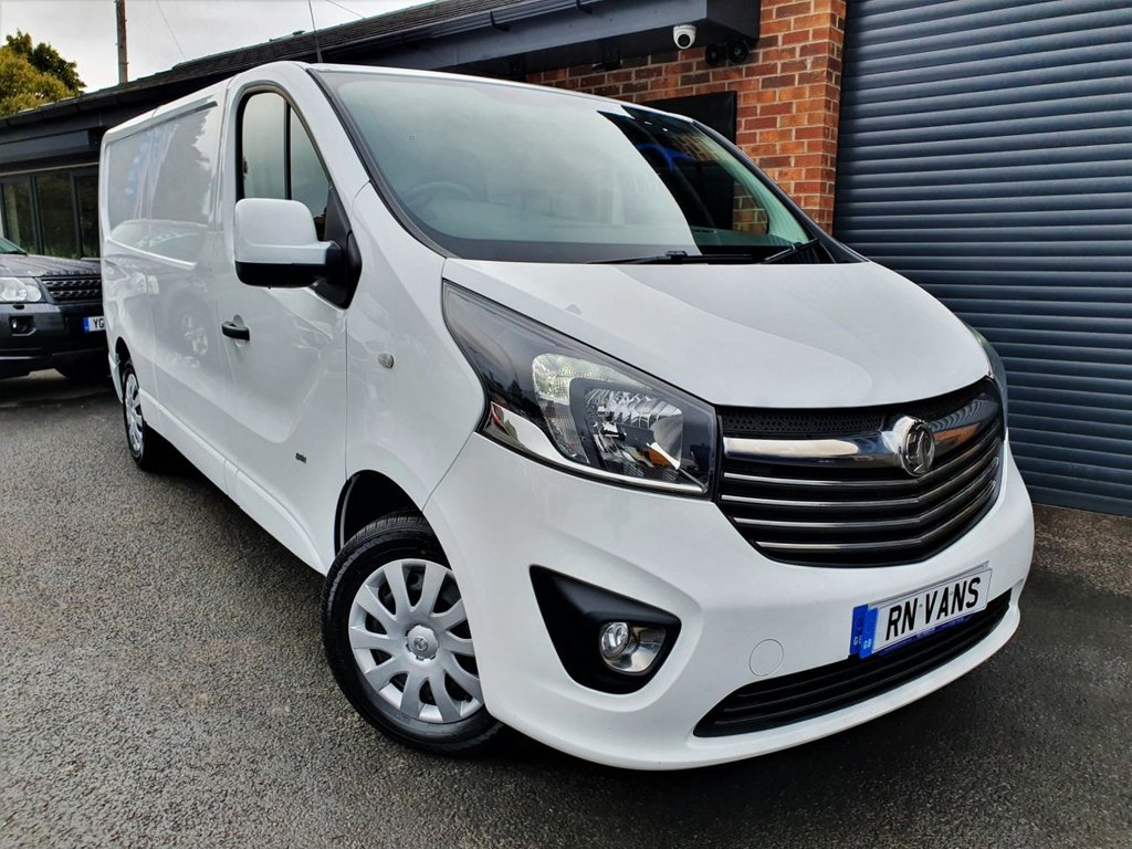 USED 2017 17 VAUXHALL VIVARO 1.6 L2 H1 2900 SPORTIVE CDTI 120 BHP *** 1 OWNER - FVSH - AIR CON - PLY LINED ***