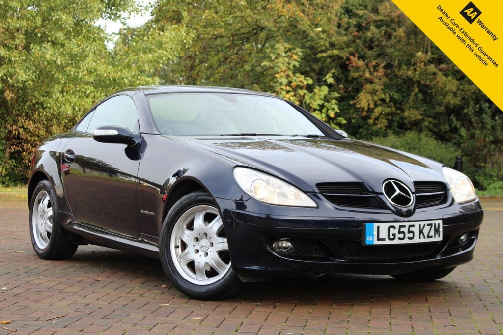 USED 2005 55 MERCEDES-BENZ SLK 1.8 SLK200 KOMPRESSOR 2d 161 BHP ** FULL SERVICE HISTORY ** BRAND NEW MOT ** OVER £4K OF OPTIONS ** SAT NAV ** PARKING AID ** LEATHER ** HEATED SEATS + NECK LEVEL HEATING ** AUTO LIGHTS + WIPERS ** POWER FOLD MIRRORS ** CRUISE CONTROL **