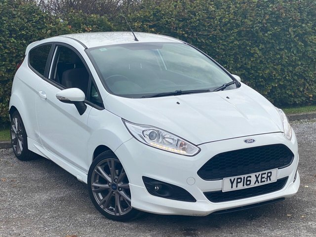 USED 2016 16 FORD FIESTA 1.0 ZETEC S 3d 139 BHP * 2 OWNERS FROM NEW * LOW MILEAGE CAR * 12 MONTHS FREE AA MEMBERSHIP *
