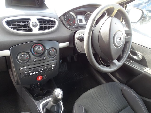 USED 2010 59 RENAULT CLIO 1.1 DYNAMIQUE TCE 5d 100 BHP CHEAP INSURANCE BRACKET