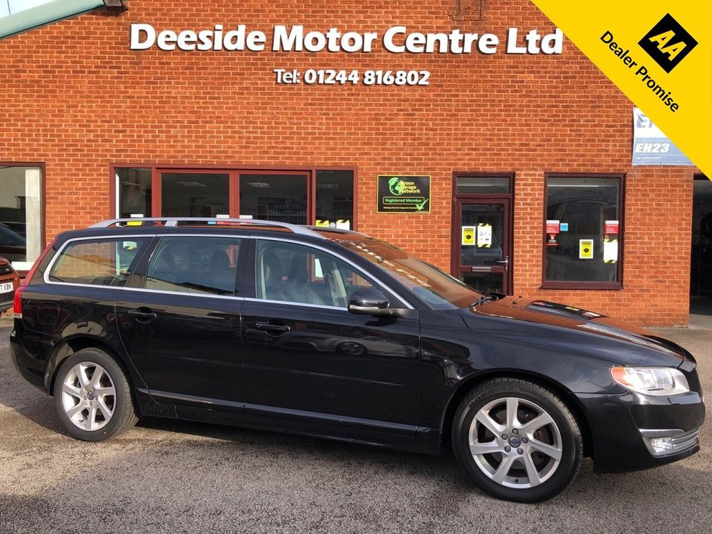 USED 2014 63 VOLVO V70 2.0 D3 SE LUX 5d 134 BHP Volvo service history  :  Bluetooth  : Sat Nav  :  DAB Radio  : Quality full leather upholstery  :  Heated front seats  :  Electric/Memory driver's seat  :  Volvo City Safety system  :  Remotely operated tailgate  : Rear parking sensors