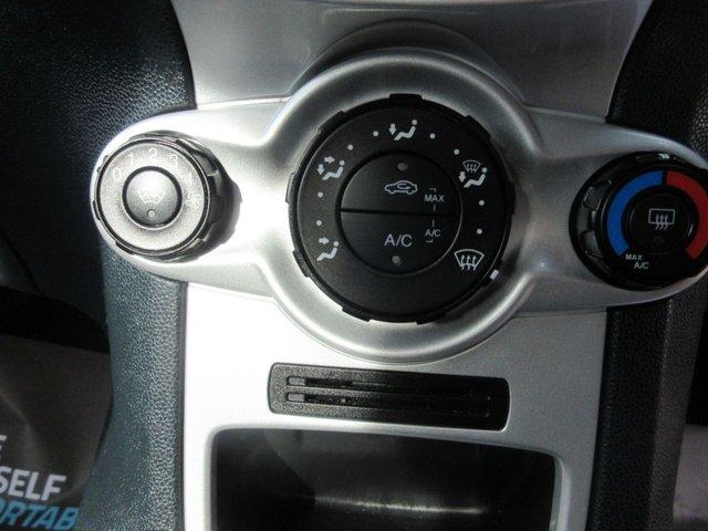 USED 2011 11 FORD FIESTA 1.4 ZETEC 16V 5d 96 BHP
