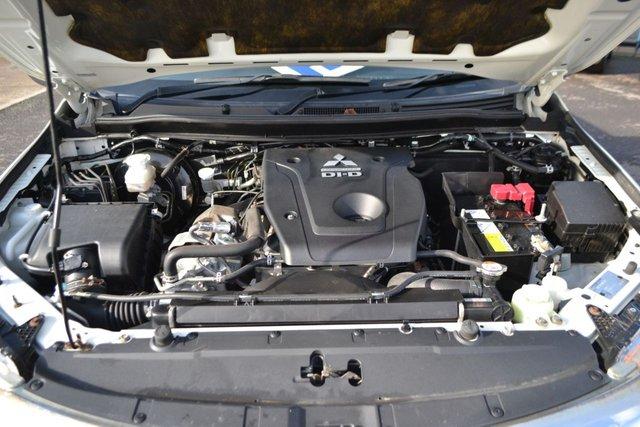 USED 2017 17 MITSUBISHI L200 2.4 DI-D 4WD TITAN DCB 178 BHP ~ LANE DEPARTURE WARNING ~ 2 KEYS LANE DEPARTURE WARNING ~ CLIMATE ~ BLUETOOTH ~ 2 KEYS