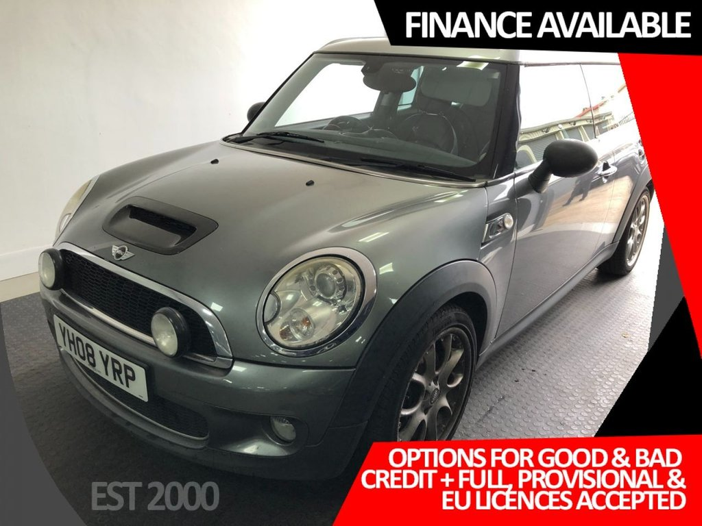 USED 2008 08 MINI CLUBMAN 1.6 COOPER S 5d 172 BHP * NAVIGATION *  PARK SENSORS *  6 SERVICE STAMPS  *
