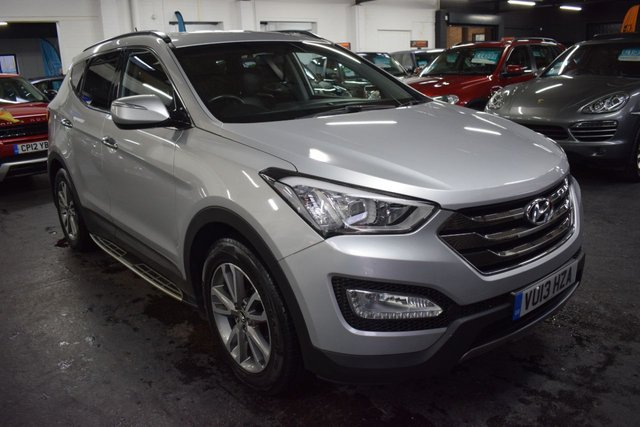 USED 2013 13 HYUNDAI SANTA FE 2.2 PREMIUM CRDI 5d 194 BHP LOEVLY CAR INSIDE AND OUT - SAT NAV - FULL HEATED LEATHER - BLUETOOTH - SIDE STEPS - REVERSE CAMERA