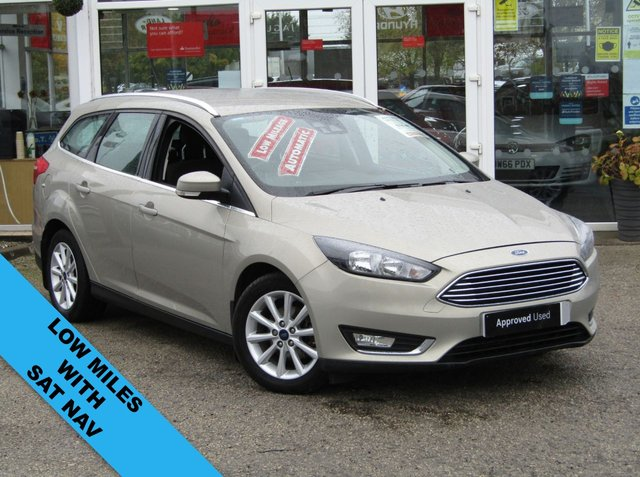 USED 2015 15 FORD FOCUS 1.6 TITANIUM 5d 124 BHP Finished in TECTONIC SILVER metallic with contrasting Dark Grey Cloth trim. This is a modern day peoples auto estate car. It is a reliable, practical and affordable vehicle that is liked by everyone. Great features which include Low mileage, Sat Nav, Cruise Control, B/Tooth, DAB radio, Alloys Front Fogs and much more. Acorn Ford Staffordshire Dealer serviced at 3141 miles, 6453 miles, 10217 miles, 20428 miles and on arrival by EMC at 28924 miles.