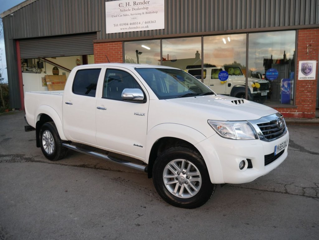 USED 2015 65 TOYOTA HI-LUX 3.0 INVINCIBLE 4X4 D-4D DCB 169 BHP CLICK & COLLECT ONLINE AT C H RENDER.