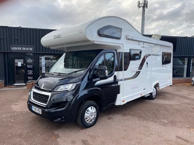 USED 2016 16 ELDDIS AUTOQUEST 180 2.2 AUTOQUEST EVOLUTION 180 6 BERTH STUNNING LOW MILEAGE EXAMPLE - 6 BERTH - 6 X 3 POINT BELTED SEATS - REVERSE CAM - BIKE RACK - REAR LOUNGE - DOUBLE OVER CAB