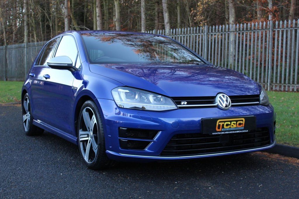 USED 2017 17 VOLKSWAGEN GOLF 2.0 R 5d 298 BHP A STUNNING GOLF R WITH LOW OWNERS, SERVICE HISTORY AND SATELLITE NAVIGATION!!!