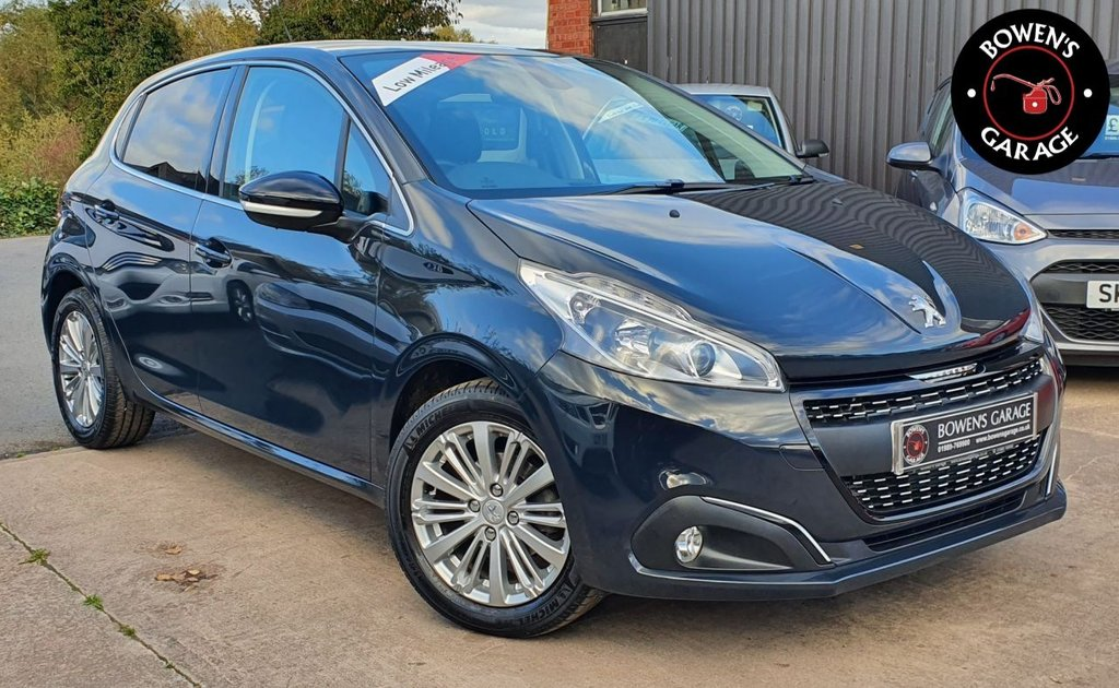 USED 2017 67 PEUGEOT 208 1.2 PURETECH ALLURE 5D 82 BHP 2 Owners - Low Miles - 3 Services - Big Spec