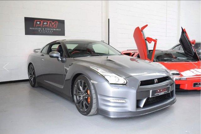 2015 NISSAN GT-R Recaro Edition